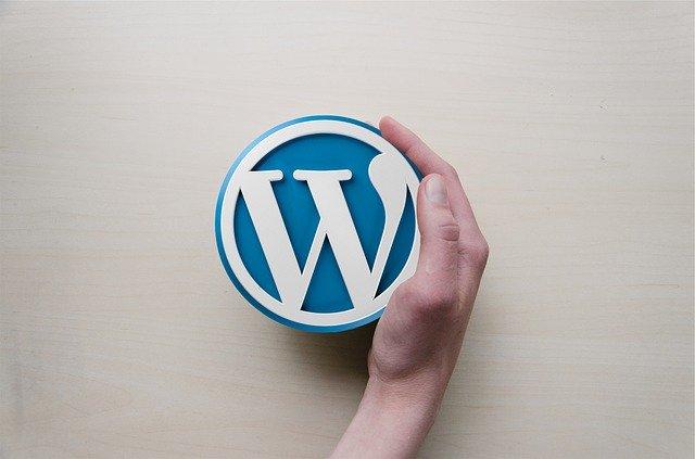 wordpress hosting vs regular hosting banner
