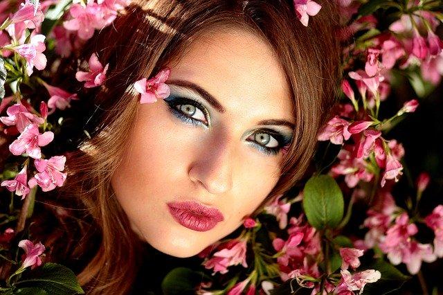 girl-blue eyeshadow