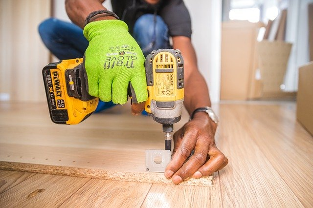 handyman-drilling wood