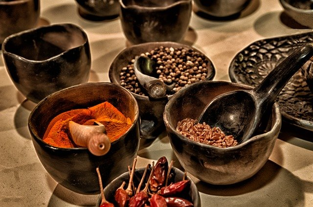 spice-various in bowls